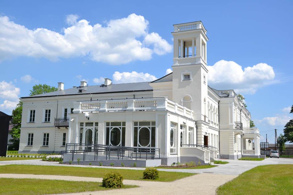 Schloss in Sanniki